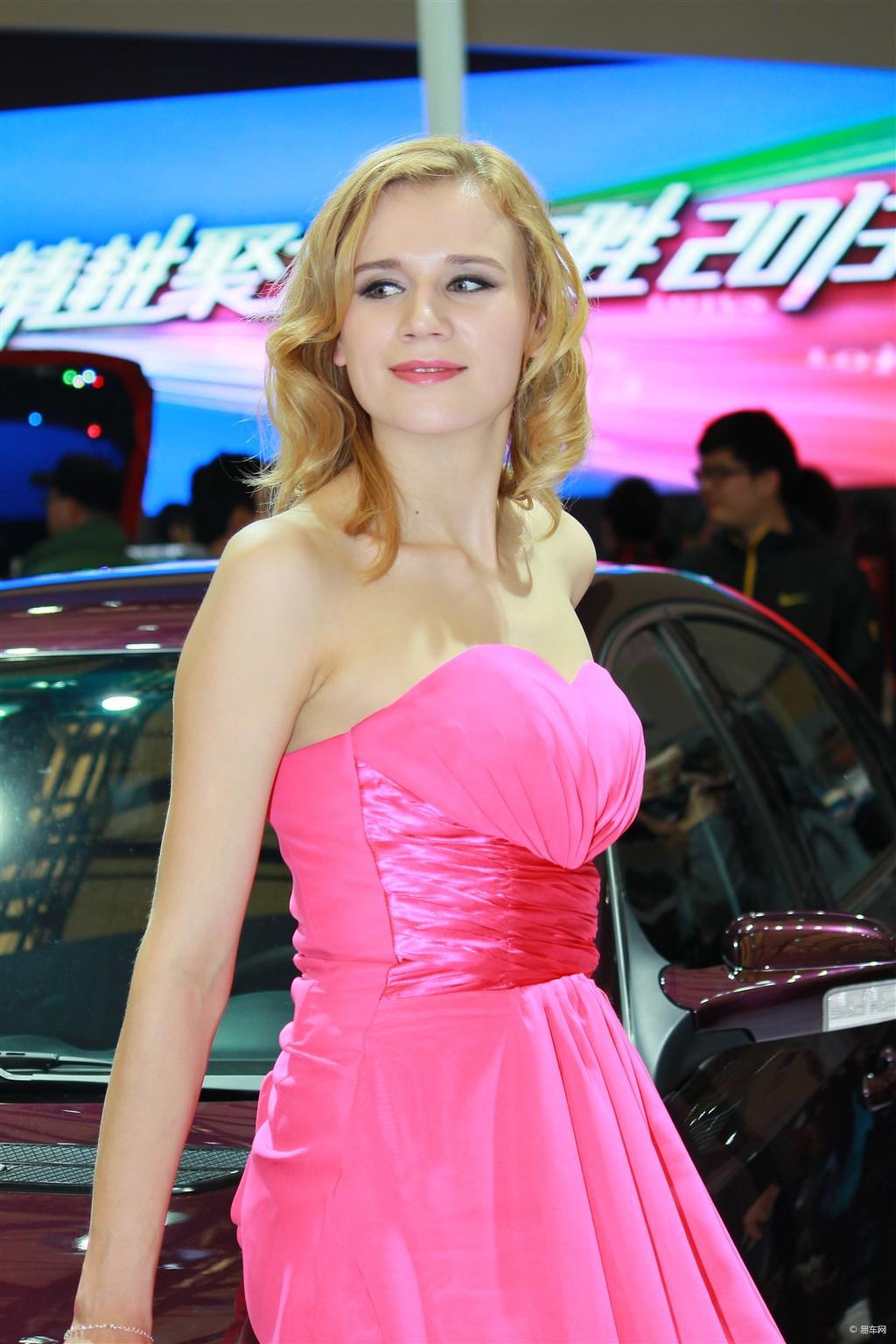 高清2013上海美女车模手机壁纸