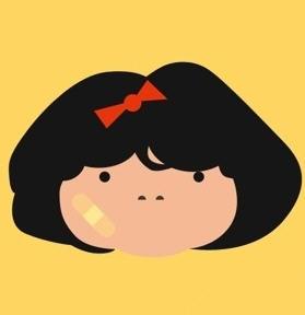 疯狂猜图游戏中有一个胖胖的小女孩,她的最明显的标志就是脸上一个图片
