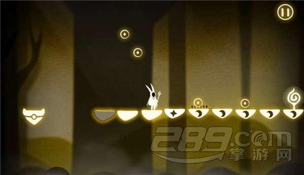 """步骤:右右右右右右 左左左左左 追光者第5关很好玩,前面全部都是星星。玩家只需想着""""呦呦呦""""就可以到前面。到了后面,又变成了全部都是月亮,而且难度在于星星和月亮都有一个踏点上有尖刺,玩家一定要掌握好时间哦!一般来说在尖刺前稍微快点,这样到了尖刺的时候,可以稍微等待一下,后面的踏点消失也有一些时间留给玩家。"""