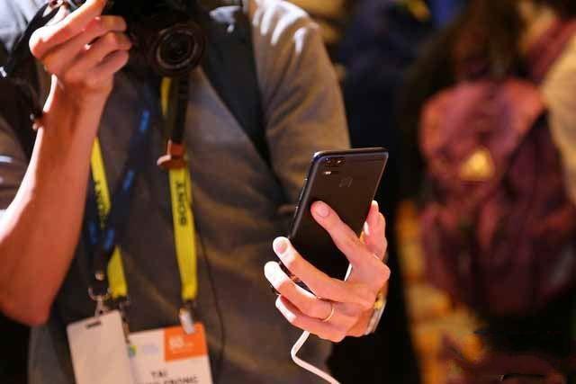 华硕ZenFone 3 Zoom怎么样值得买吗?
